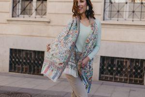 foulard, chal o capa