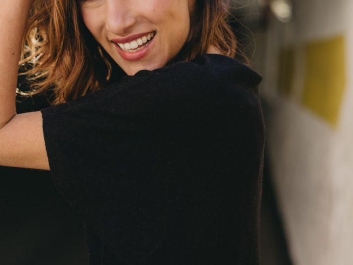 ¿Un must have?: Vestido negro de cashmere. Y lo tenemos
